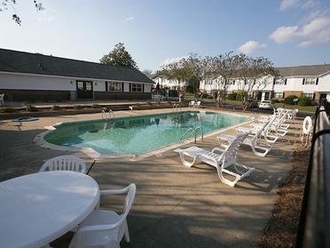 Swimming Pool | Cornerstone Apartments & Townhomes