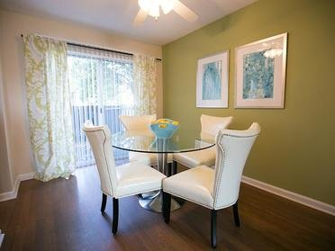 Dining Room | Cornerstone Apartments & Townhomes