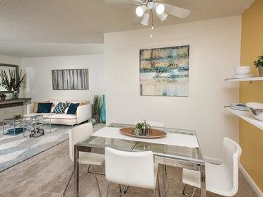 Dining Area | Crossings at Wyndham
