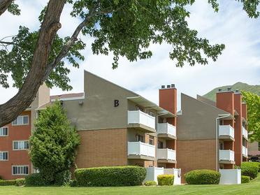Exterior | Foothill Place Apartments