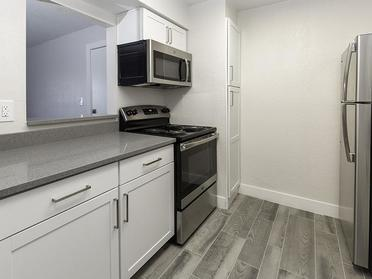 Fully Equipped Kitchen | Foothill Place Apartments