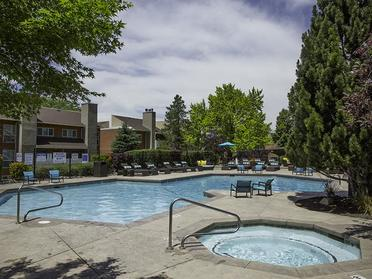 Swimming Pool | Foothill Place Apartments