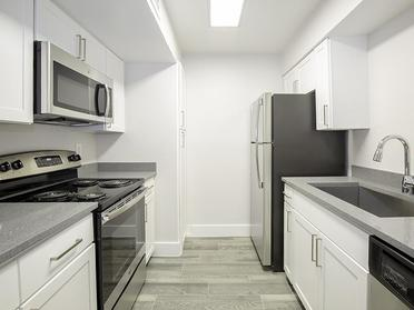 Kitchen | Foothill Place Apartments