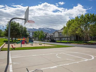 Basket Court | Alpine Meadows