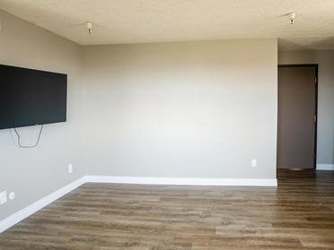 Hardwood Flooring | The Bigelow Apartments