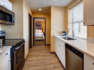 Kitchen | Bigelow Apartments