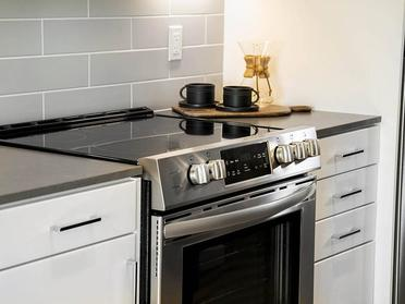 Fully Equipped Kitchen   Union South Bay