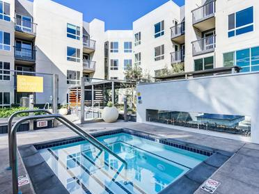 Hot Tub | The Link Apartments in Glendale, CA