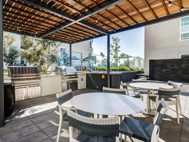 Outdoor Seating | The Link Apartments in Glendale, CA