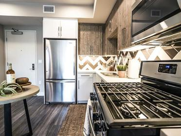 Kitchen | The Link Apartments in Glendale, CA