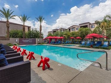 Pool | Avenue 25 Apts in Phoenix, AZ