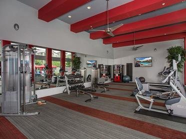 24 hour fitness center | Avenue 25 Apartments in P