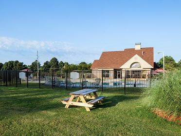 Picnic Area | Briarwood Apartments