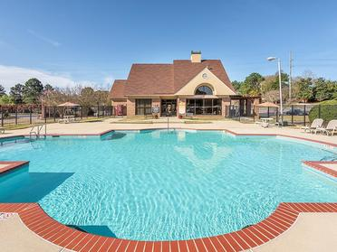 Swimming Pool | Briarwood Apartments