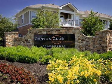 Welcome Sign | Canyon Club
