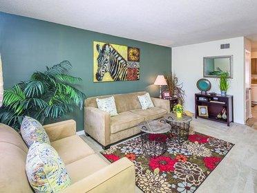 Living Room   Cross Creek Cove