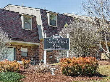 Welcome Sign   Cross Creek Cove