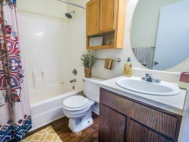 Bathroom   Cross Creek Cove