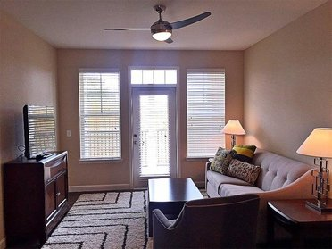 Living Room   Evergreen at River Oaks