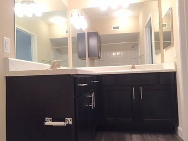 Bathroom Counters | Evergreen at River Oaks