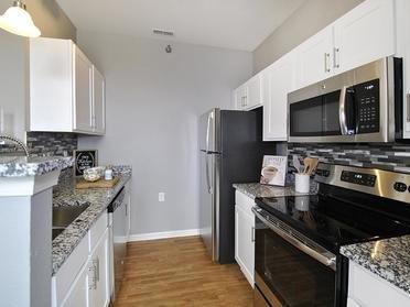 Kitchen | Fairlane Town Center Apartments
