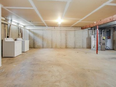 Basement w/ Washer & Dryer | The View