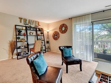 Furnished Living Room   Township Square Apartments in Saginaw, MI