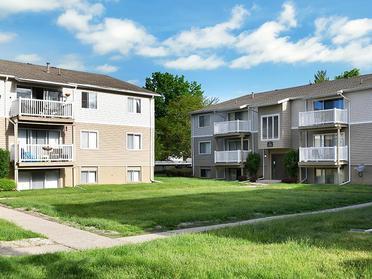 Building Exterior   Township Square Apartments in Saginaw, MI