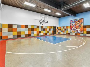Basketball Court   Township Square Apartments in Saginaw, MI