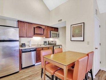 Dining Area | Vivo Apartments in Winston Salem, NC