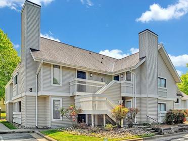Building Exterior | Vivo Apartments in Winston Salem, NC