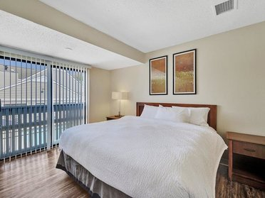 Bedroom with Balcony | Vivo Apartments in Winston Salem, NC