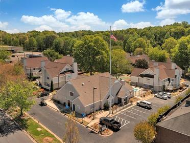 Beautiful Landscaping | Vivo Apartments in Winston Salem, NC