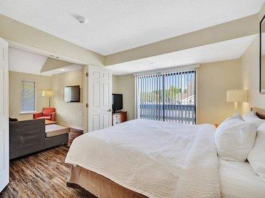 Bedroom Area | Vivo Apartments in Winston Salem, NC