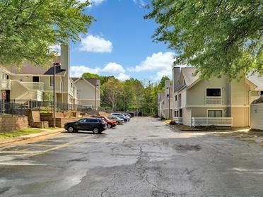 Parking Lot | Vivo Apartments in Winston Salem, NC