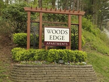 Welcome Sign | Woods Edge