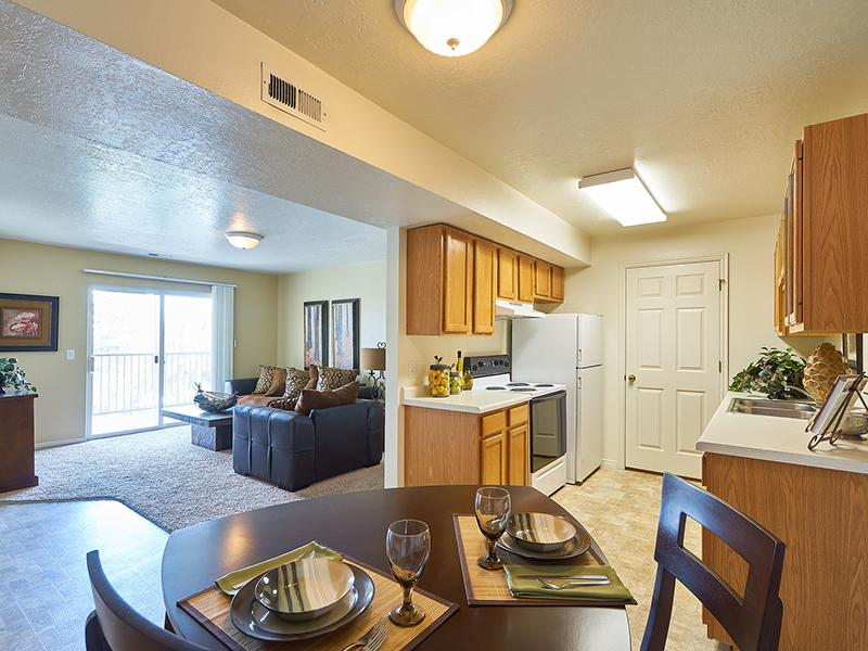 Model Dining Area | Willow Cove Apartments