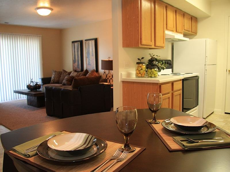 Dining Room - Willow Cove Apartments in West Jorda