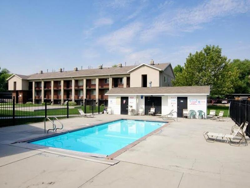 Apartments With a Pool in Taylorsville | Atherton Park Apartments