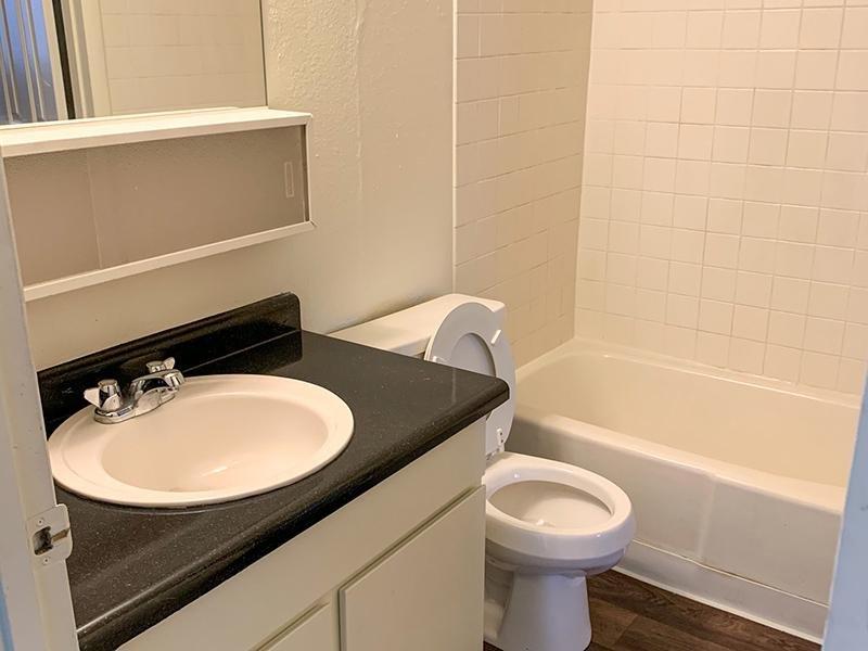 Bathroom   Atherton Park Apartments
