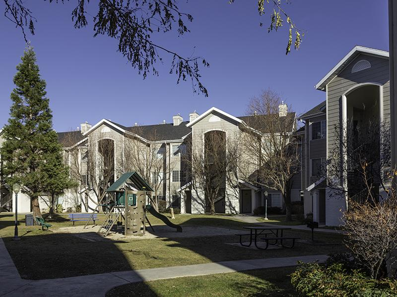 Apartment Exterior | Country Springs