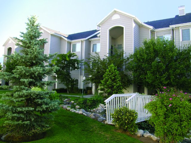 Apartments Near Orem Elementary School | Country Springs Apartments