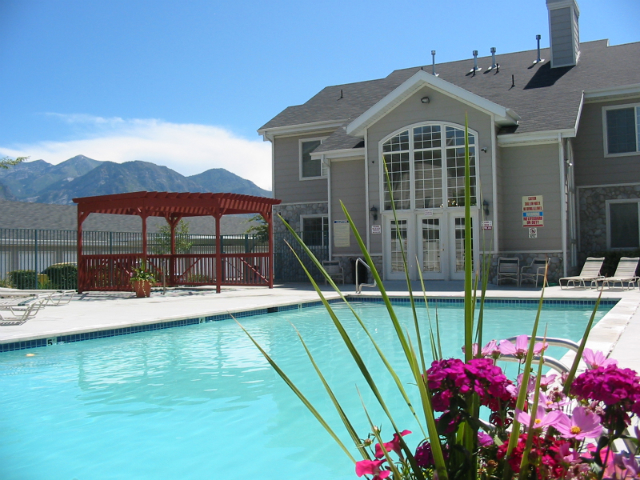 Apartments With a Pool in Orem | Country Springs Apartments