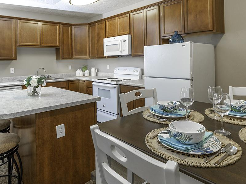 Dining Room & Kitchen | Country Springs