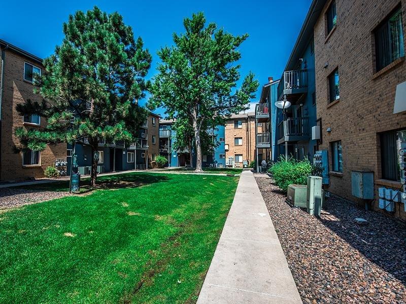 Exterior   Aspenwood Apartments