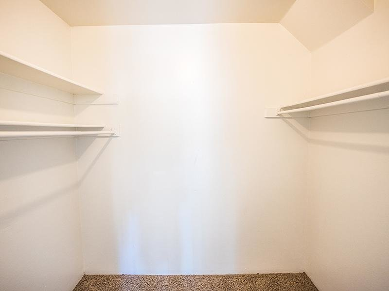 Closet | Aspenwood Apartments