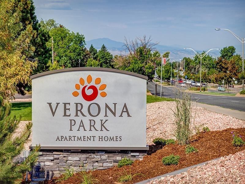 Sign   Verona Park