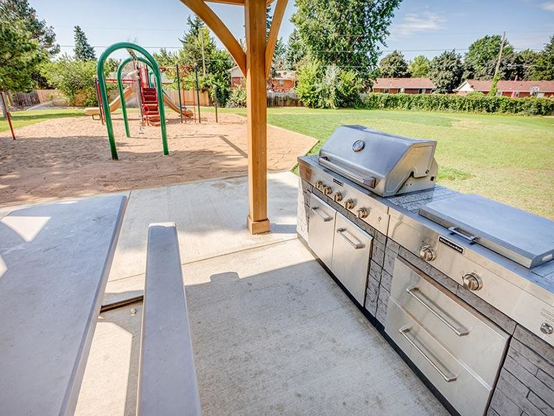 BBQ & Picnic Area | The Harrison