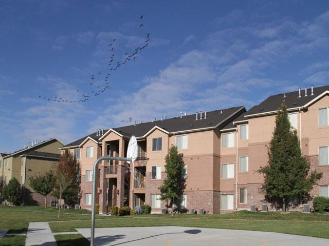 Basketball Court | Pleasant Springs Apartments