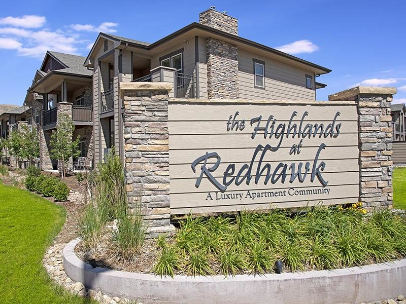 Welcome Sign | The Highlands at Redhawk